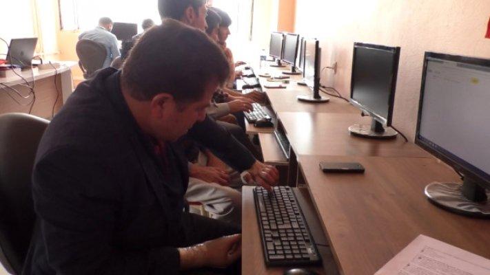 Ağrı'da Engelli Vatandaşlara Bilgisayar Kursu Veriliyor