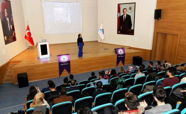 "AİÇÜ'de ""Dermokozmetik"" Konulu Konferans Düzenlendi"