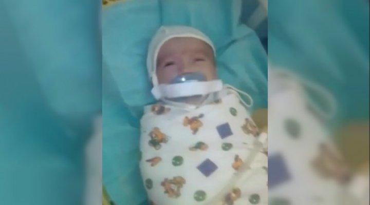Rusya'da Bebeğe emzik işkencesi!