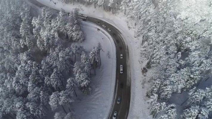Uludağ yolunda 4 km'lik araba kuyruğu