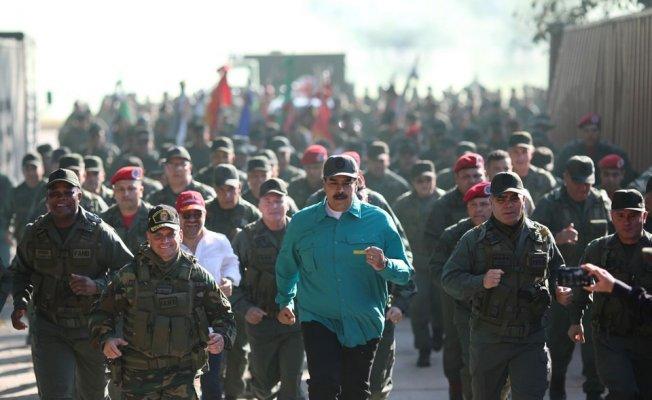 Venezuela'da Muhalifler Yeniden Sokağa İniyor