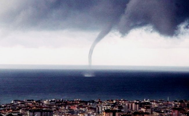 Antalya'da Hortum ve Fırtına alarmı! Okullar 1 Gün Tatil