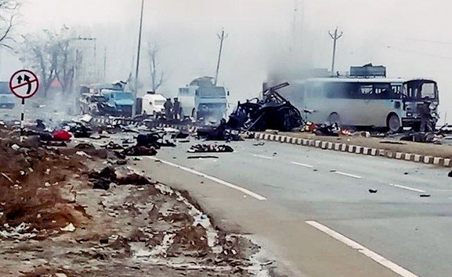 Hindistan Şokta! Bombalı saldırıda 10 Asker öldü