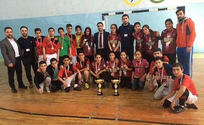 Hamur Futsal Takımlarından Çifte Şampiyonluk