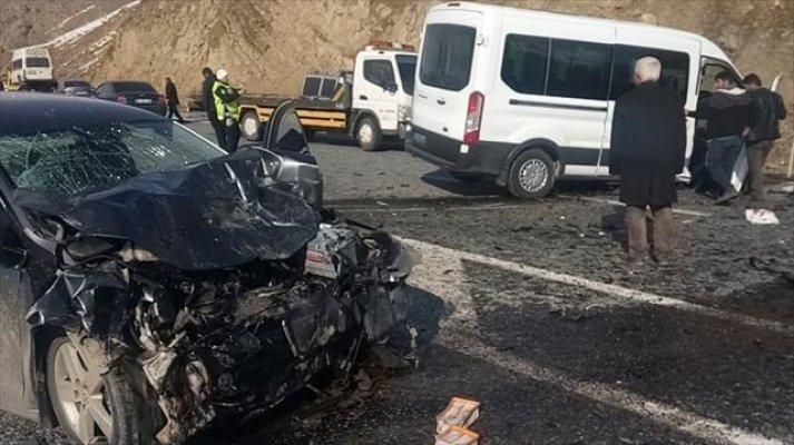 Van'da Trafik Kazası! Çok sayıda yaralı