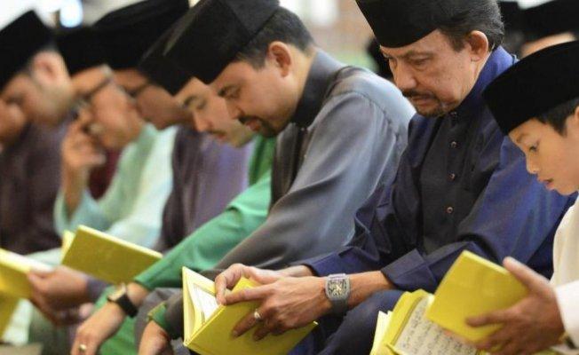 Brunei'de Şeriat Kanunları Bugün Yürürlüğe Giriyor