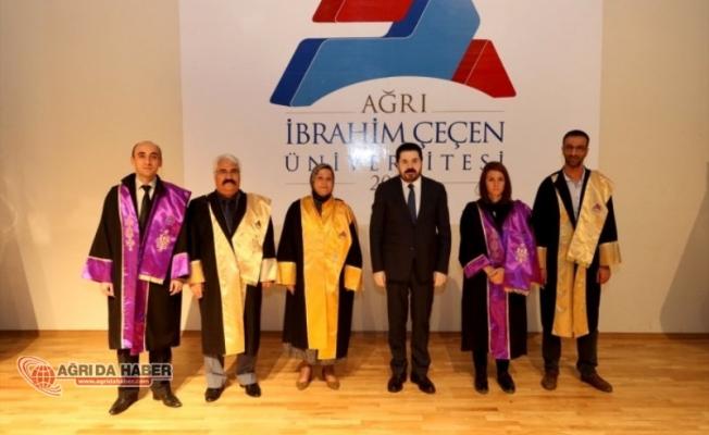 Ağrı İbrahim Çeçen Üniversitesi'nde Akademik Giysi ve Ödül Töreni