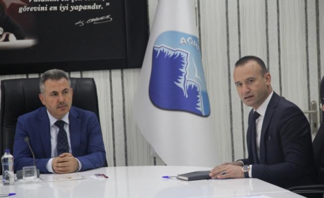 Ağrı Valisi Süleyman Elban başkanlığında Yılsonu Eğitim Toplantısı