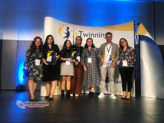 Büşra Hoca Fransa'da düzenlenen eTwinning Konferansına katıldı