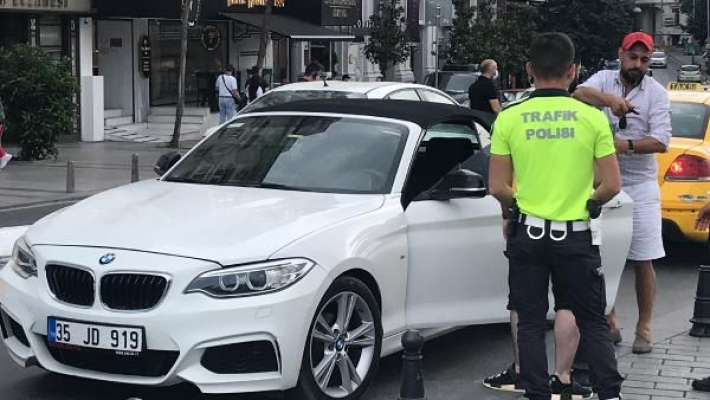 Polisim diyerek Alkollü Araç Kullanmaya Çalıştı!