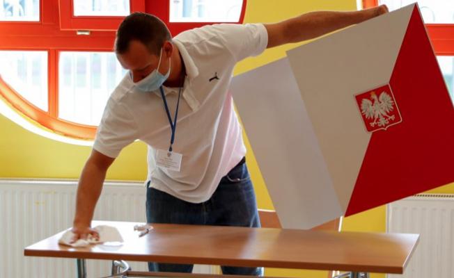 Polonya Cumhurbaşkanlığı Seçimine Gitti!