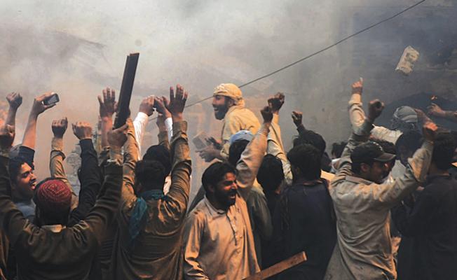 Hindu çeteler Müslüman Genci Linç Etti