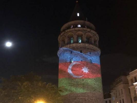 Azerbaycan Bayrağı Galata Kulesinde!