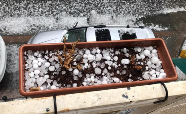 İstanbul'u dolu vurdu! Görüntüler Korkuttu