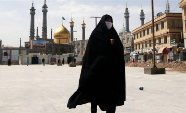 Tahran'da Maske Takmak Artık Zorunlu