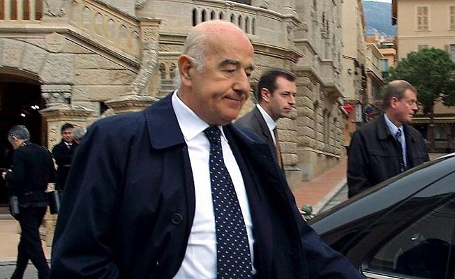 Dünyanın En Zengin Bankacısı Öldü!