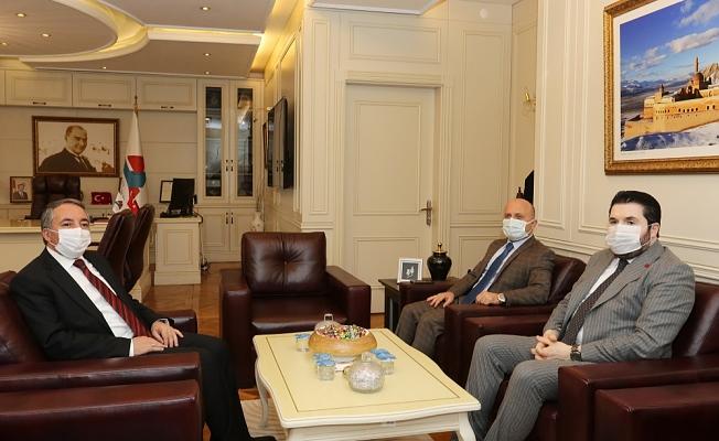 Vali Varol ve Başkan Sayan'dan Rektör Karabulut'a ziyaret