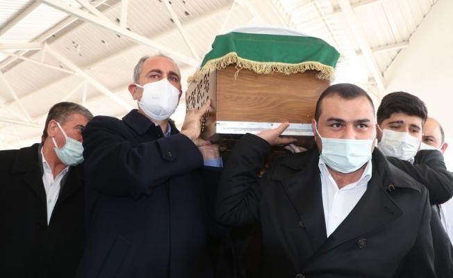 Adalet Bakanı Abdulhamit Gül'ün annesi toprağa verildi
