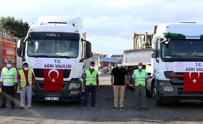Ağrı'dan Antalya'ya iş makinesi desteği