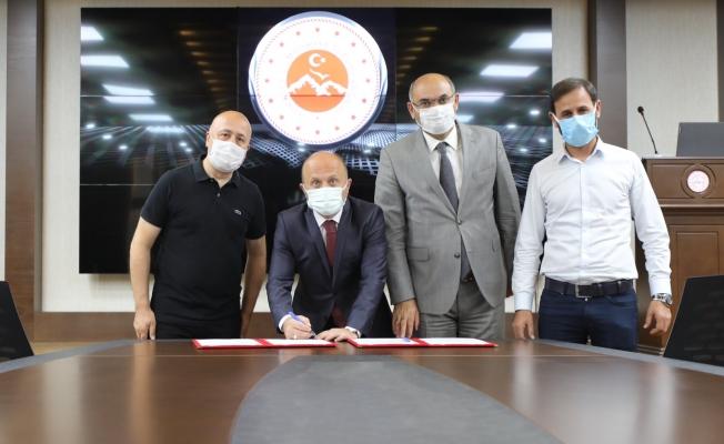 Ağrı'da yeni tekstil yatırımı için imzalar atıldı