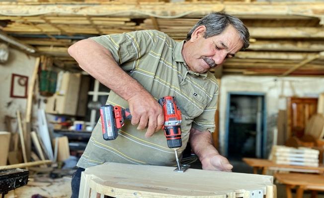 Ağrı'da bir marangoz teknolojiye karşı direniyor!