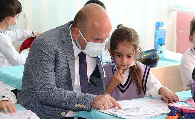 Ağrı'da İlköğretim Haftası Kutlamaları Düzenlendi