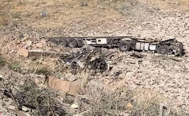 Doğubayazıt'ta tır kazası: 2 kişi öldü