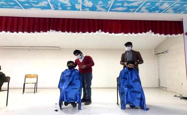 Diyadin'de 'Tıraşsız Çocuk Kalmasın' Kampanyası