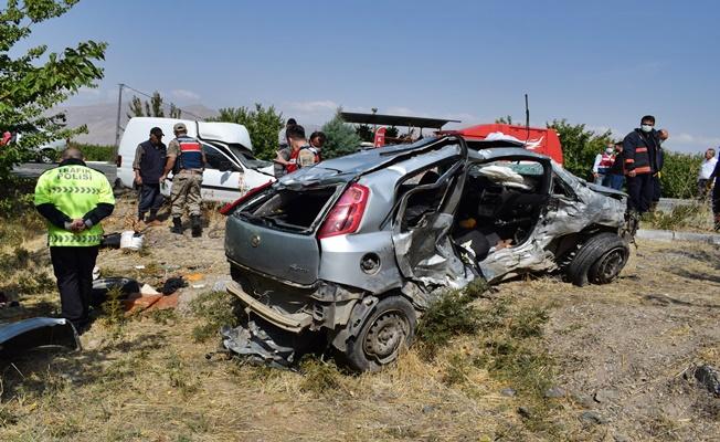Katliam Gibi Kaza: 5 kişi hayatını kaybetti!