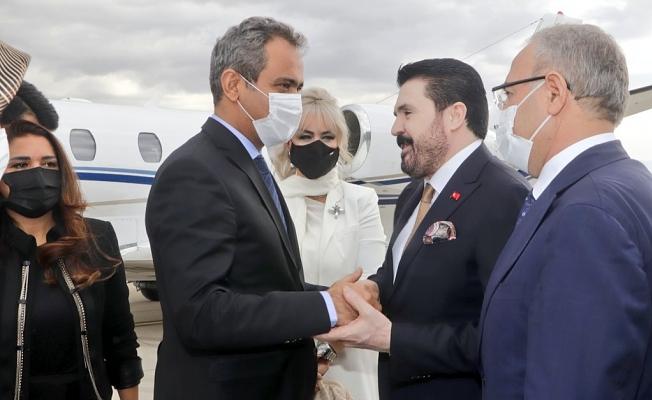 Milli Eğitim Bakanı Mahmut Özer Ağrı'ya Geldi