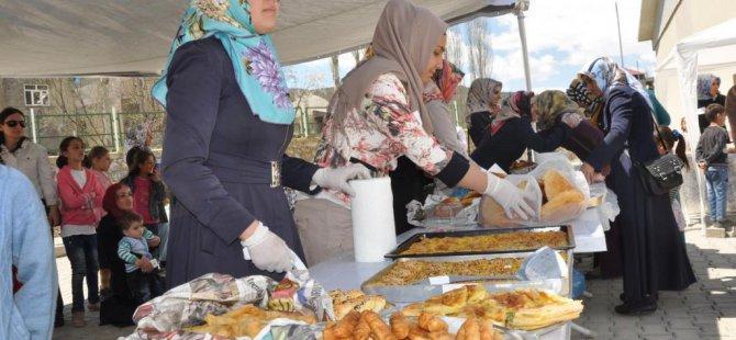 Hizan'da çocuklar yararına kermes