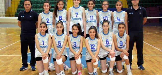 Voleybol: Küçük Kızlar Grup Birinciliği