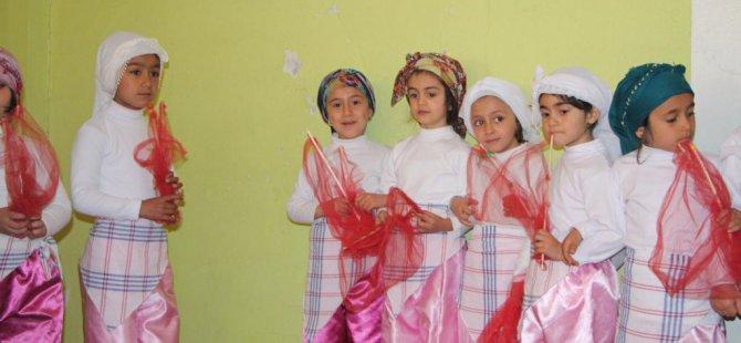 Bingöl'ün Karlıova ilçesinde 23 Nisan Ulusal Egemenlik ve Çocuk Bayramı