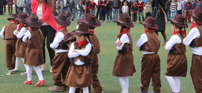 Van'da 23 Nisan Ulusal Egemenlik ve Çocuk Bayramı
