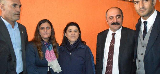 Leyla Zana, Eleşkirt'teki Seçim Bürosunun Açılışına Katıldı