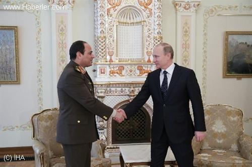 Putin'den Sisi'ye Cumhurbaşkanlığı Desteği