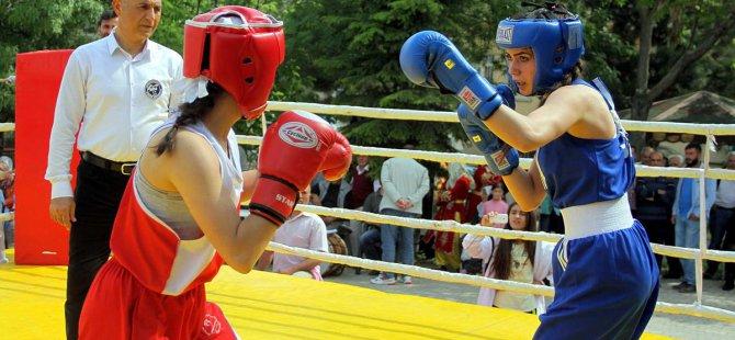 Ağın'da açık havada boks turnuvası düzenlendi