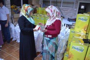 Tük Kızılayı'ndan muhtaç ailelere yardım