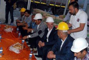 HDP Kars Milletvekili Bilgen, inşaat işçileriyle iftar açtı