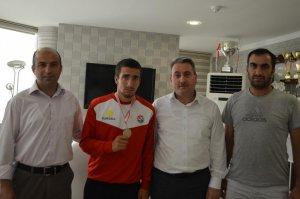 Erzurumlu atlet Balkan şampiyonu oldu