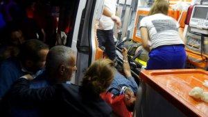 Malatya'da kamyon devrildi: 2 yaralı