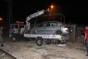Malatya'da hemzemin geçitte kaza: 2 yaralı