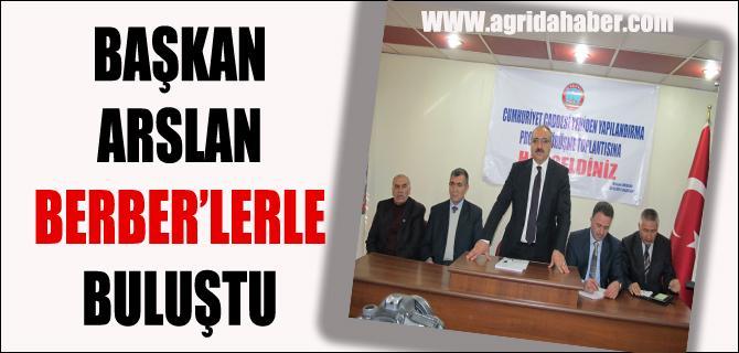 Başkan Arslan Terziler ve Berberlerle Toplantı Yaptı