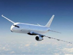Endonezya'da Yolcu Uçağıyla İrtibat Kesildi