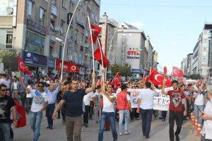 Erzurum'da teröre lanet yürüyüşü