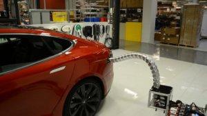 Tesla'nın elektrikli araçları kendilerini şarj edebilecek!