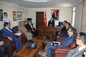 Vali Zorluoğlu, Sivrice'de temaslarda bulundu