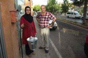 Keban Belediyesinden su kovaları ile çöp toplama hizmeti