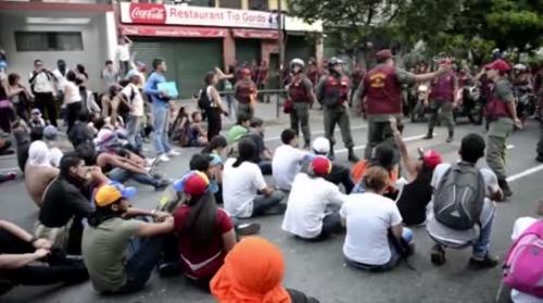 Venezuela'da Hükümet Karşıtı Gösteriler Üçüncü Gününde