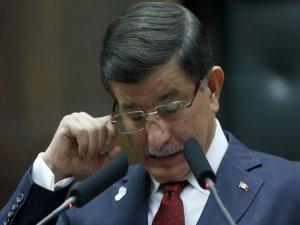 Başbakan Davutoğlu Göz Yaşlarını Tutamadı